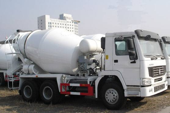 SINOTRUCK HOWO Chassis 6cbm Concrete Mixer Truck