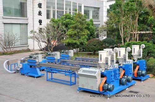 Plastic elastic making machine