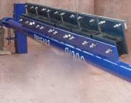 Conveyor belt cleaner replacement blade