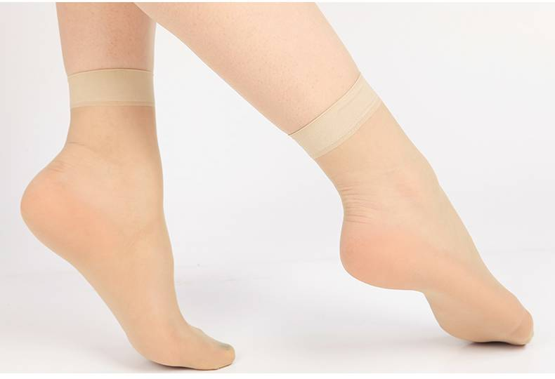 15D Women Ultra Sheer Ankle Silk Socks