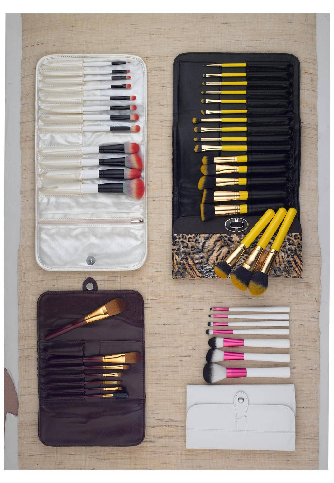 Makeup Brush Set with Gift Pouch Packaging
