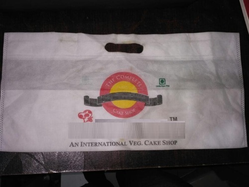Non Woven D Cut Cake Shoppy Bag