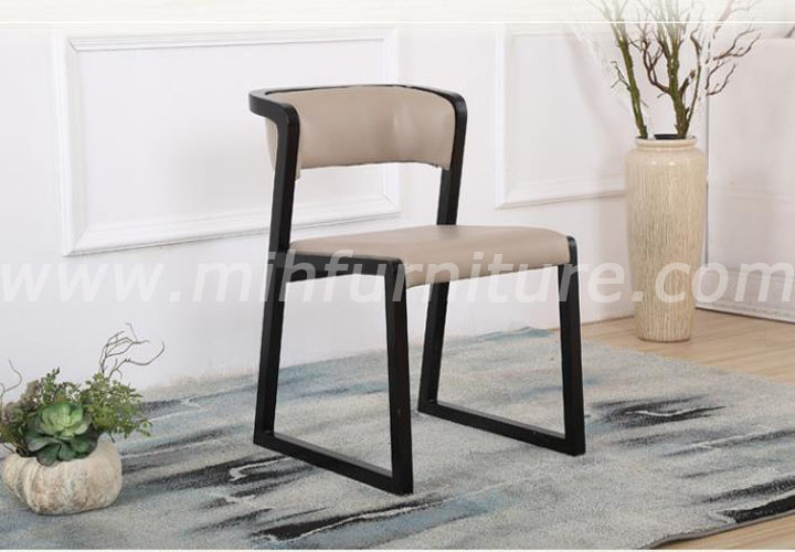 Modern Simple Style Solid Wood Leather Dining Chair
