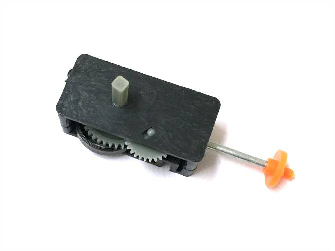 Wind up gear box toy part for swimming fish toys