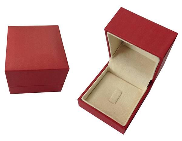 hinged jewelry box
