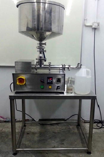 Semi -Auto Liquid Filling Machine