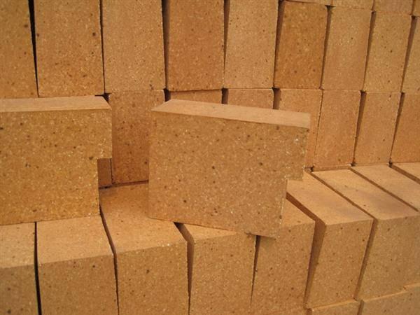 High purity silica brick
