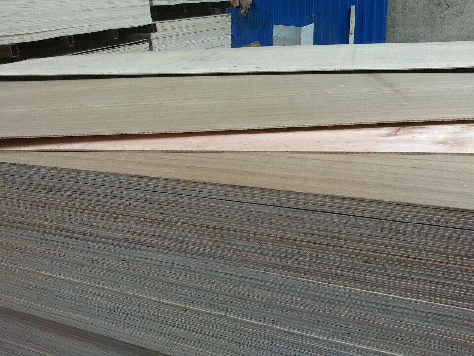 ISO 9001: 2008 Exported Natural Teak MDF/Plywood