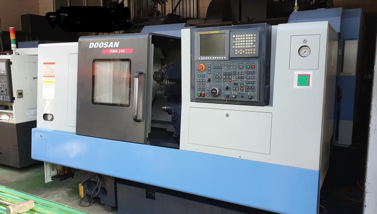 DOOSAN CNC MACHINES