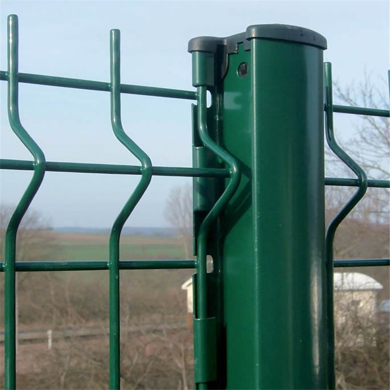 3D welded curved wire mesh fence