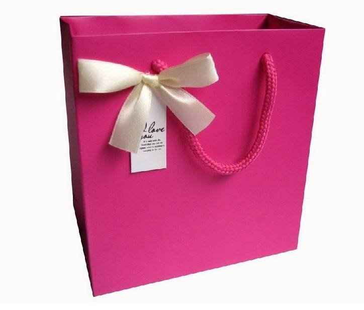 Delicated Paper Bags for packing gifts, fashion clothing, grocery