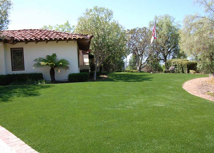 Why choose Golden Moon artificial turf rugs?