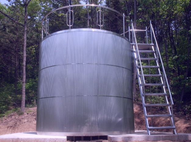 Stainless steel circular water tank
