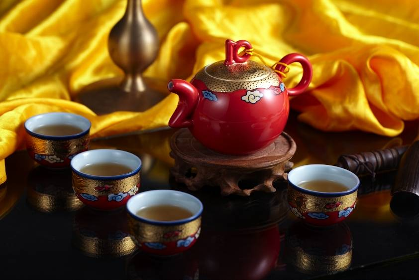 Gold ceramic tea sets