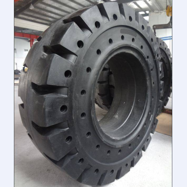 resilient solid tyre 17.5-25 on metallurgical sites
