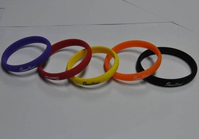 Silicon charm bracelet