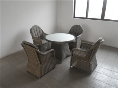 American maket patio furniture round rattan 1 table 4 chairs