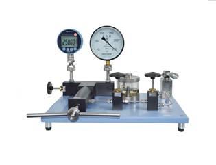 HX675 Hydraulic Comparator
