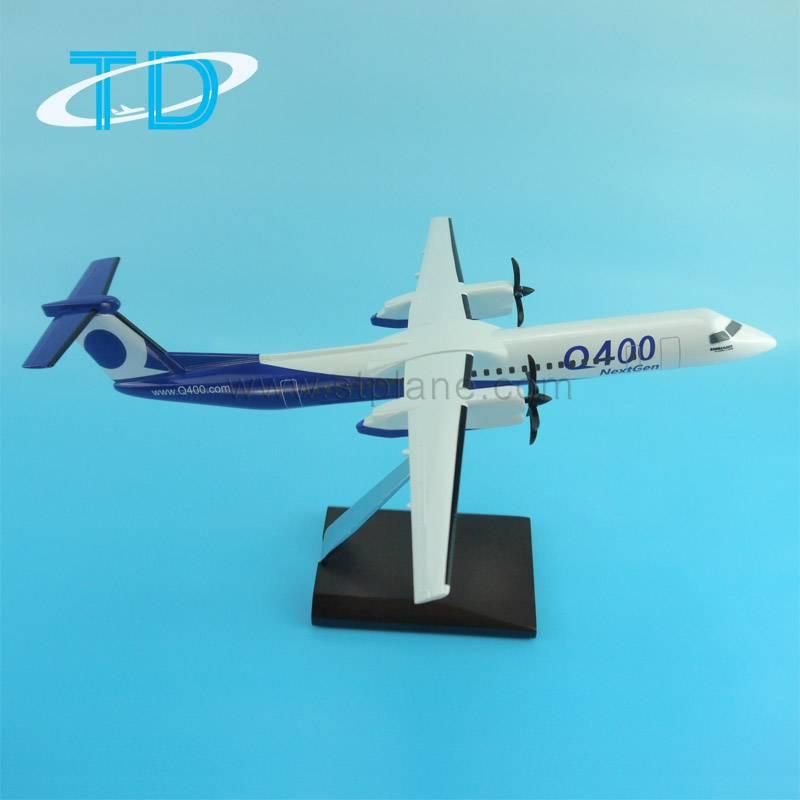 Q400 NextGen 33cm Scale 1 100 model airplane