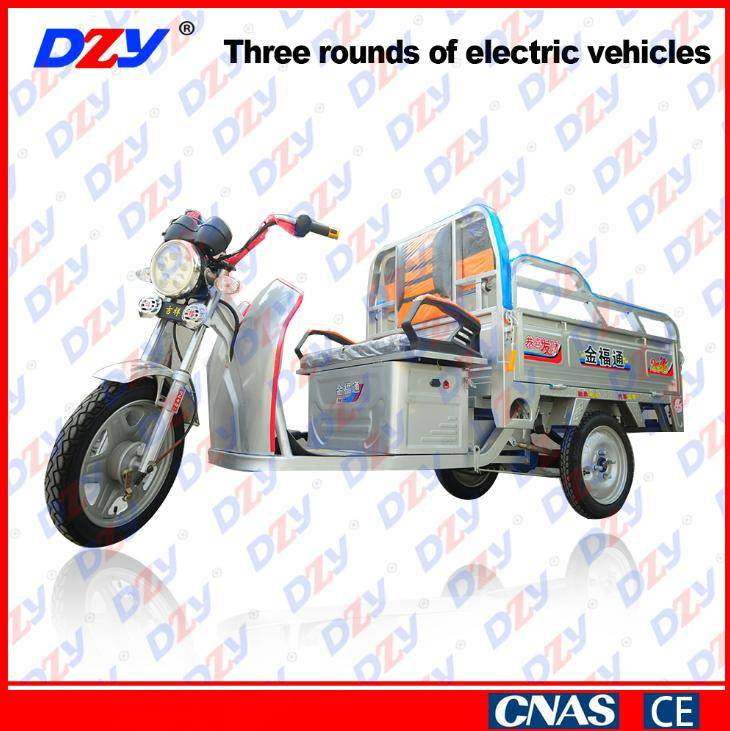 High safety factor energy saving electric tricycle