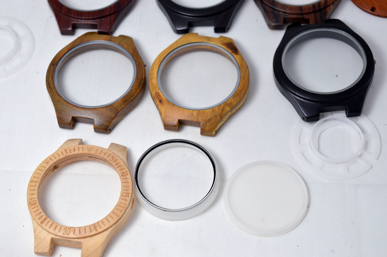 OEM ODM High Quality Cheap Various Materials Watch Case Manufacturer From China wooden watch case