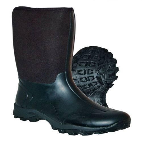 Slip resistant rubber boots