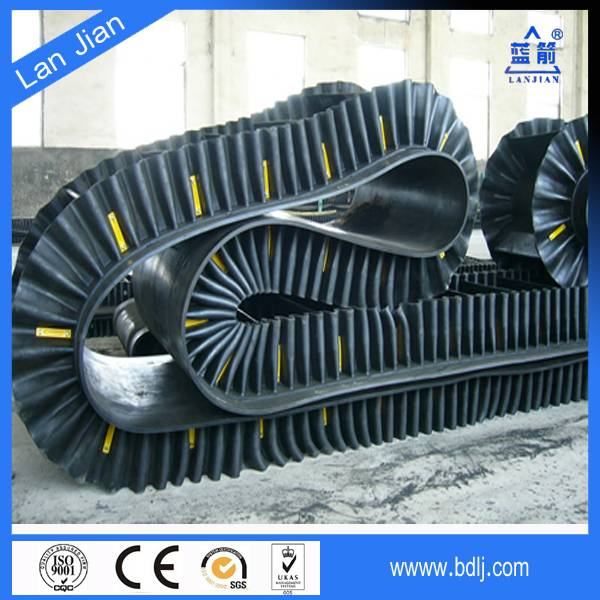 cotton canvas belt conveyor with corrugated sidewall for packaged materials