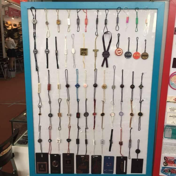 hangdrop,plastic seal,garment clips