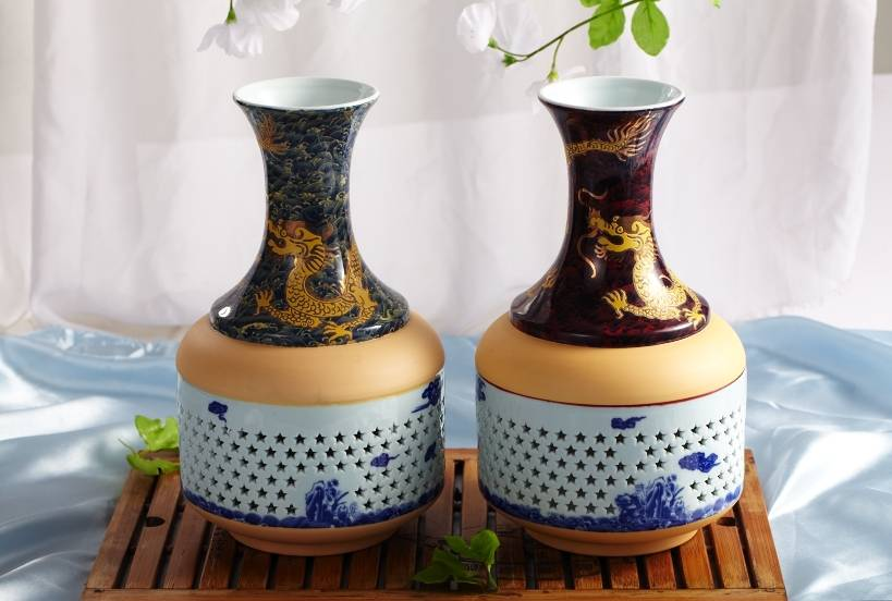 Ceramic & porcelain vase with Chinese characteristic