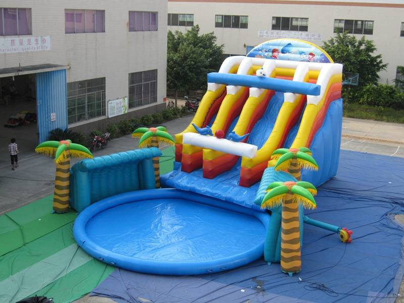 Lanqu giant inflatable water park