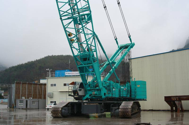 CKE4000 / Kobelco 400 ton crawler crane