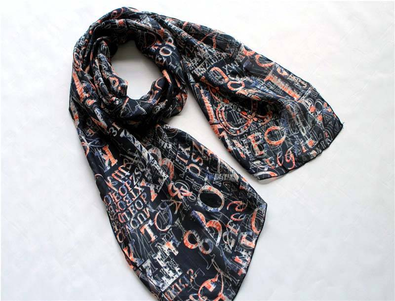 Silk scarf with letters printing
