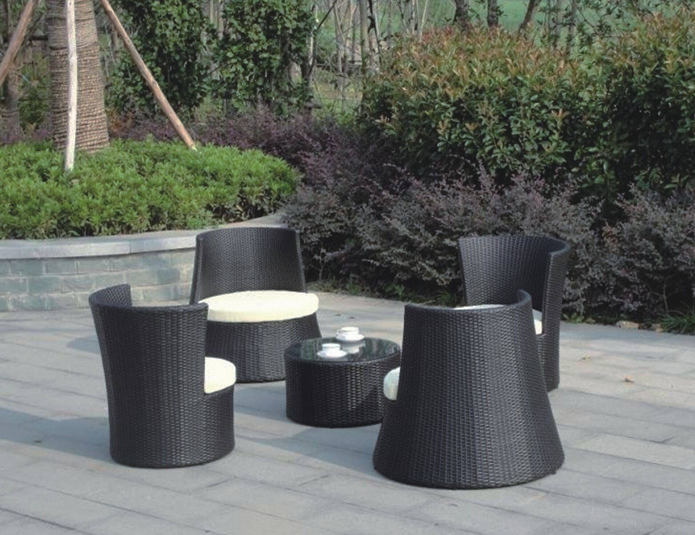 Round outdoor rattan garden sofa set