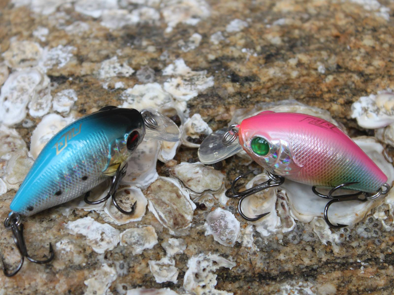 fishing lure bait with metal hook crank lure
