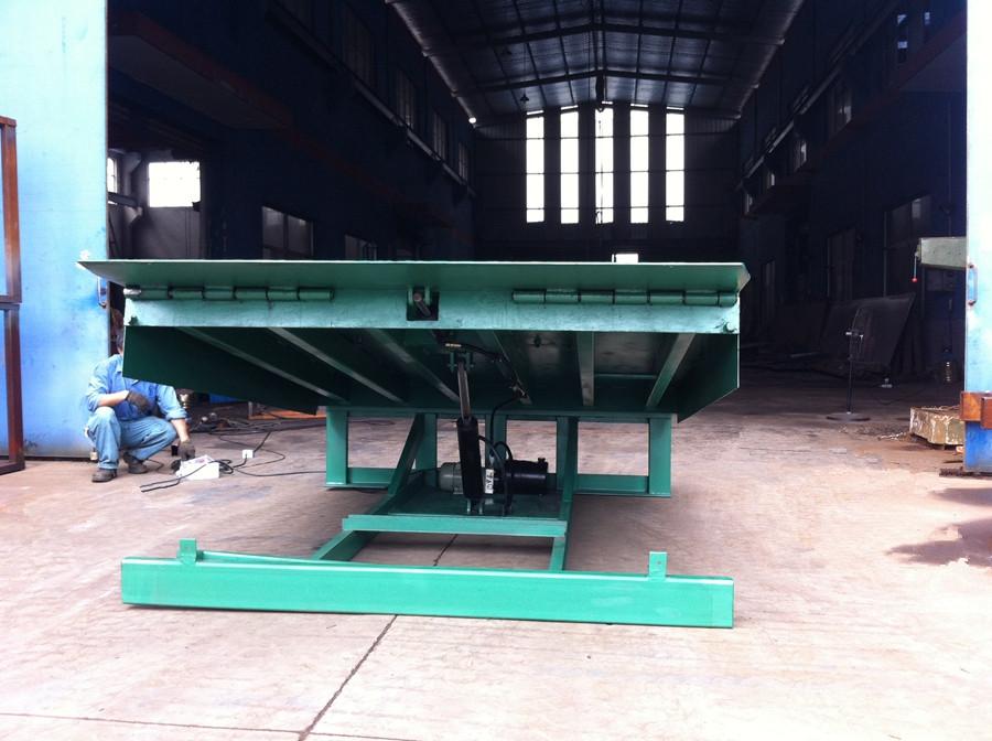 8T Hydraulic dock leveler