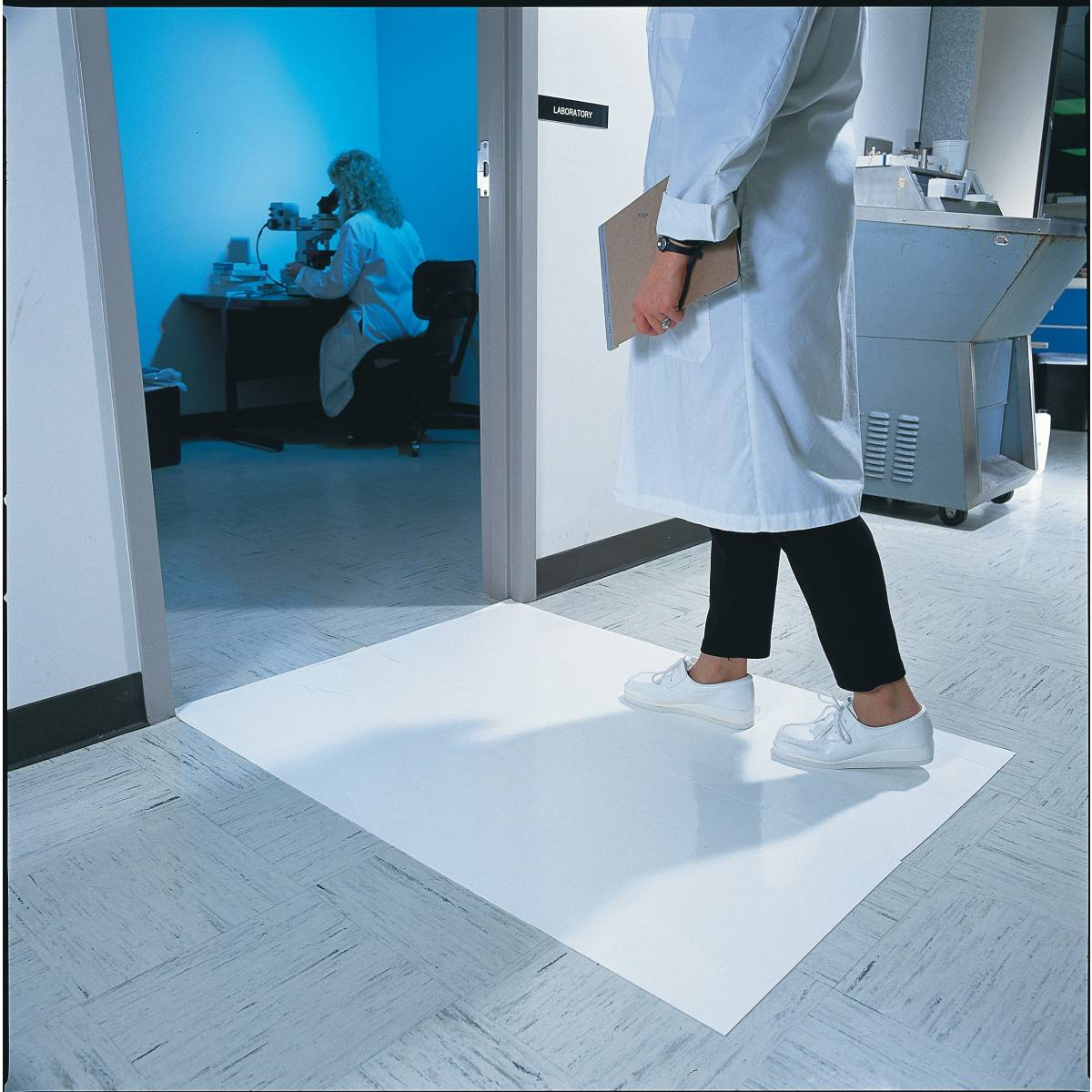 cleanroom blue or white sticky mat  30sheets Plastic film
