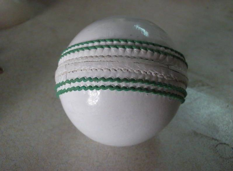 Chrome Leather Cricket Balls 2 Layers Quilted Cork