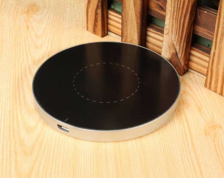 2014 hot qi wireless charger for mobile phone