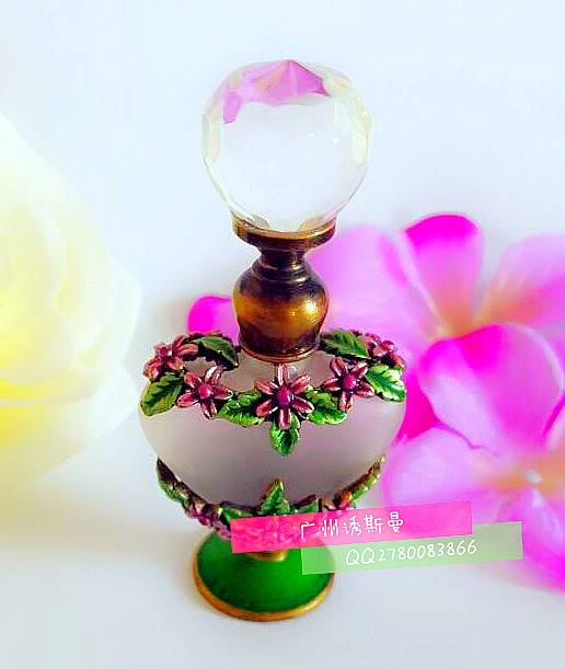 Perfume bottles, metal perfume bottles, metal oil bottles, AlloyHigh-grade metal perfume bottles Emp