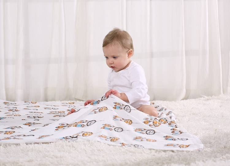 LAT Baby Bamboo Muslin Swaddle Blanket
