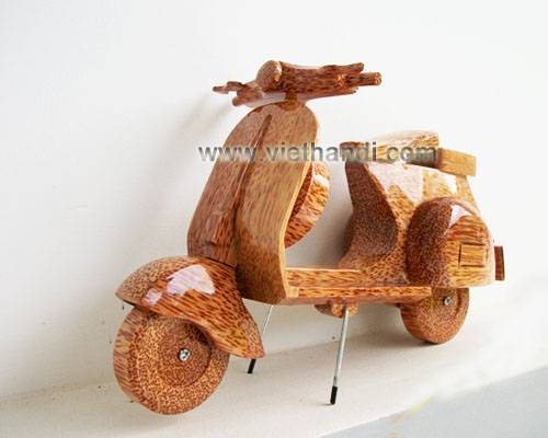 VHV40 COCONUT WOOD VESPA