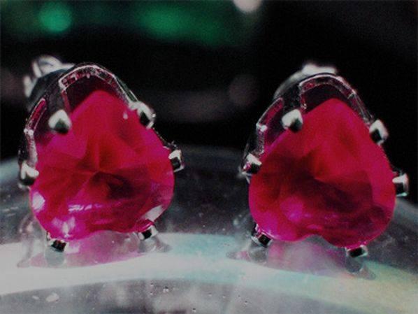 Heart Deep Red Garnet Stud Earrings 1035