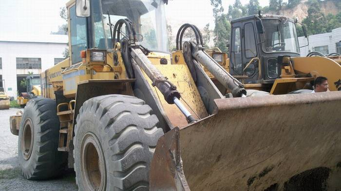 used VOLVO loader 120 for sale