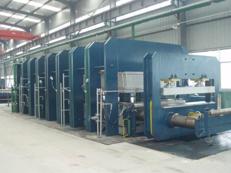 Press vulcanizer/rubber machine
