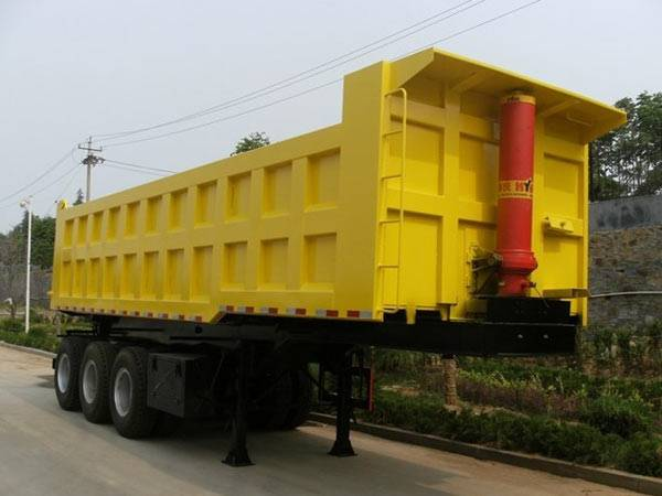 32m3 Back Dump Semi-trailer with HYVA lifting 3 Axles