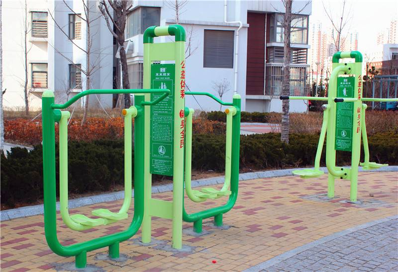 outdoor fitness equipment/space walker