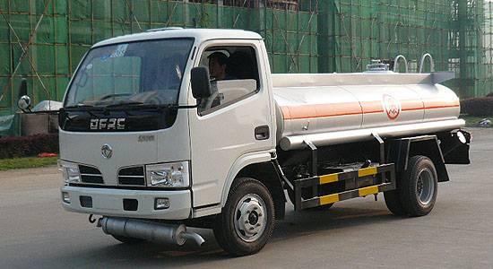 dongfeng duolika refueling truck