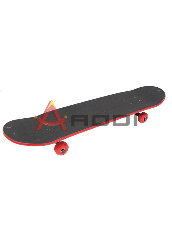 MAPLE WOOD SKATEBOARD