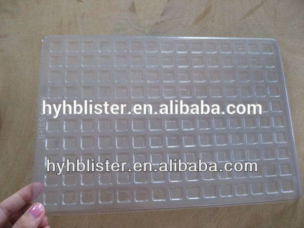 Vacuum forming large plastic tray