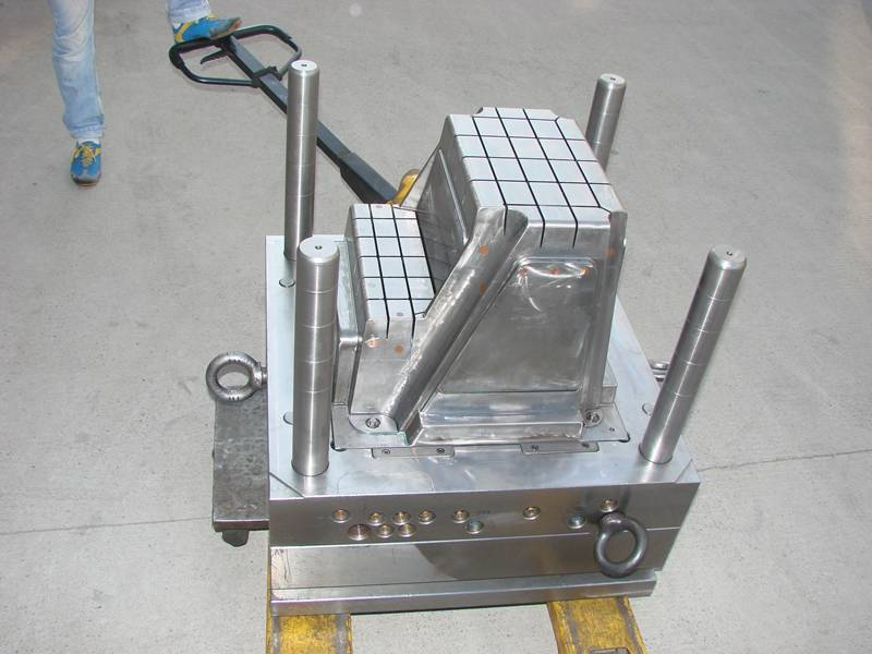 plastic injected stool mould